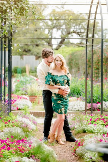 Botanical Garden engagement photos