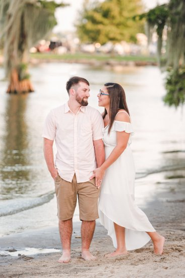 Engagement photos at Lake End Park