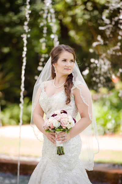 Longue Vue House outdoor bridal portrait