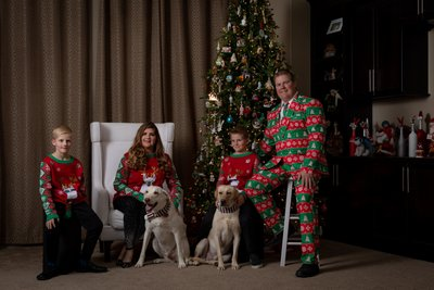 Las Vegas Christmas family photos with pets