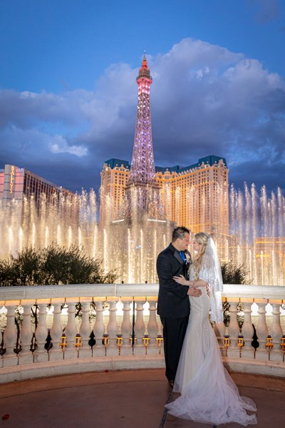 Elopement at Bellagio Fountains Las Vegas