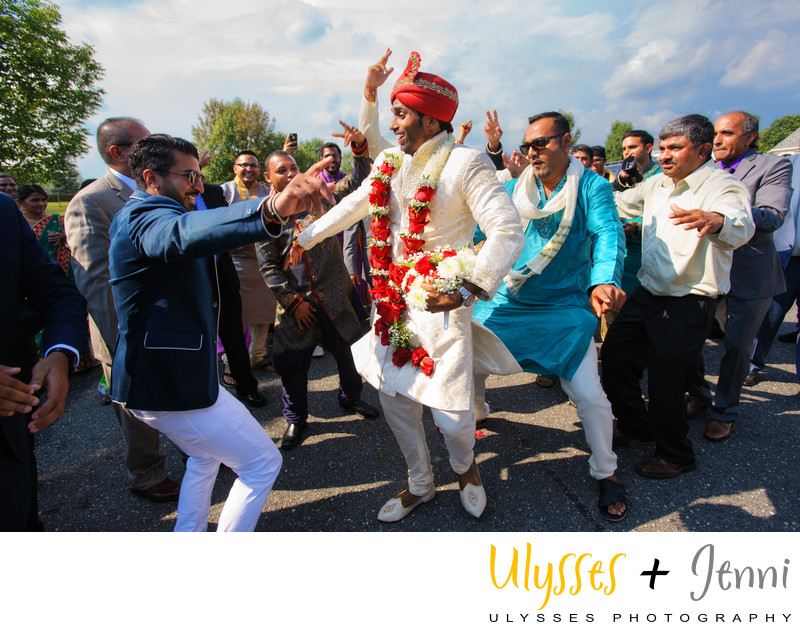 INDIAN WEDDING BARAAT DANCING - ULYSSES PHOTOGRAPHY