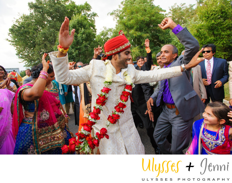 INDIAN GROOM DANCING - ULYSSES PHOTOGRAPHY