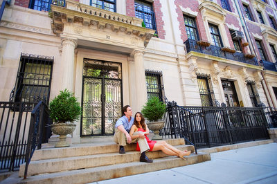 CHIC MANHATTAN COUPLE STREETS OF NY
