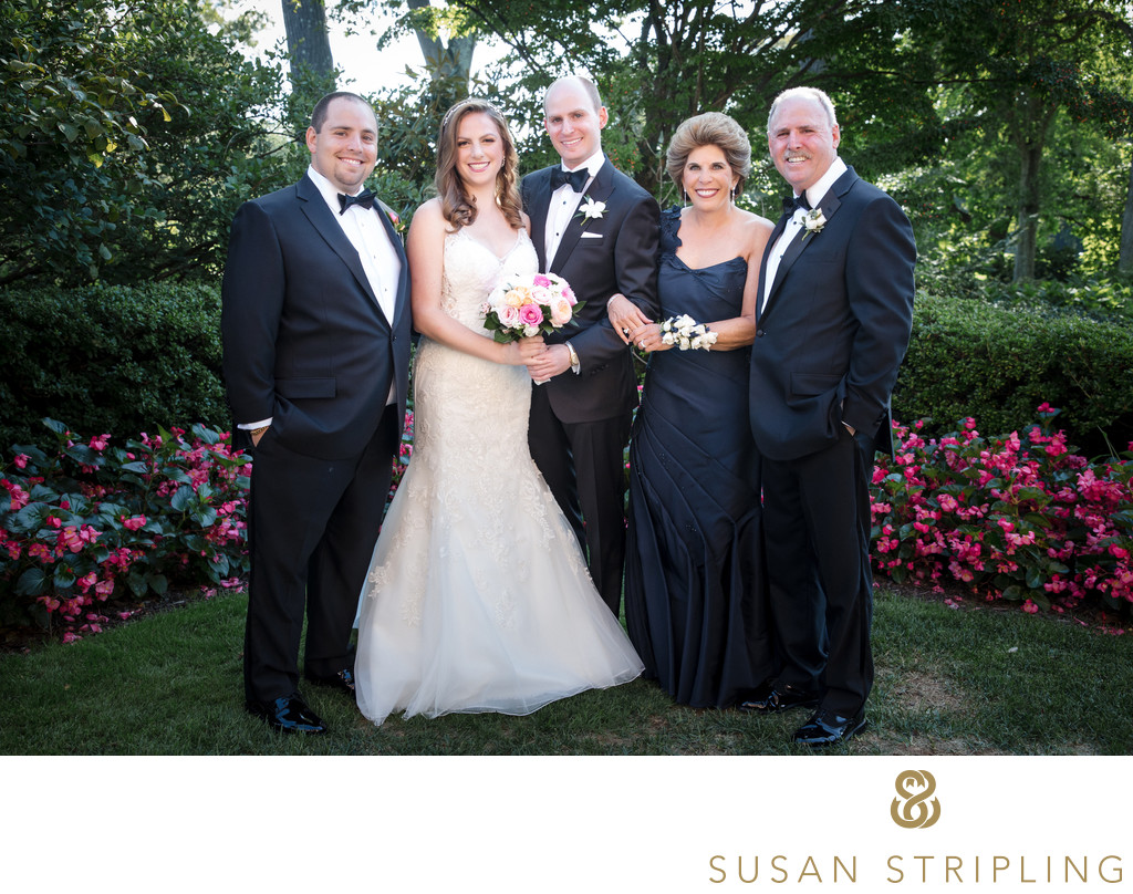 Pine Hollow Country Club Wedding Family Pictures