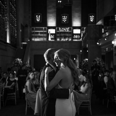 Photographer Union Trust Philadelphia Wedding