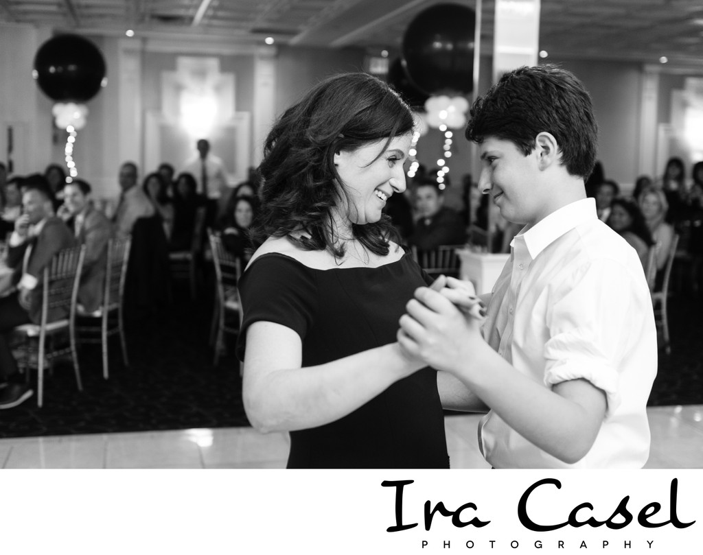 Bar Mitzvah Photography: Mother-Son Bar Mitzvah Dance