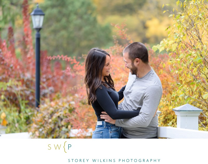Engagement Pictures with Fall Colours