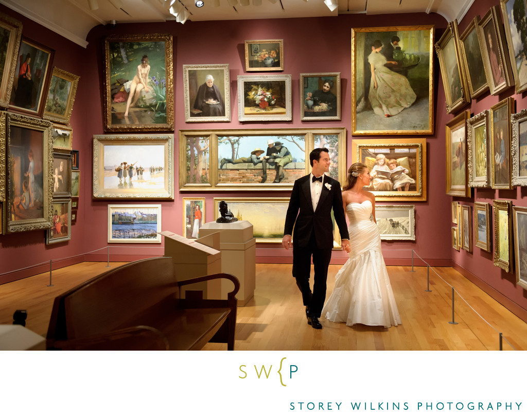 Bride and Groom Stroll through Art Gallery of Ontario