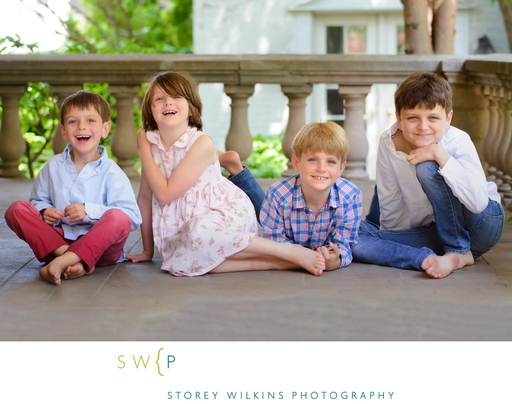 Family Photographer in Toronto Creates Lovely Portraits