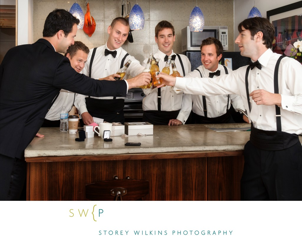 Art Gallery of Ontario Wedding Photo with Groomsmen