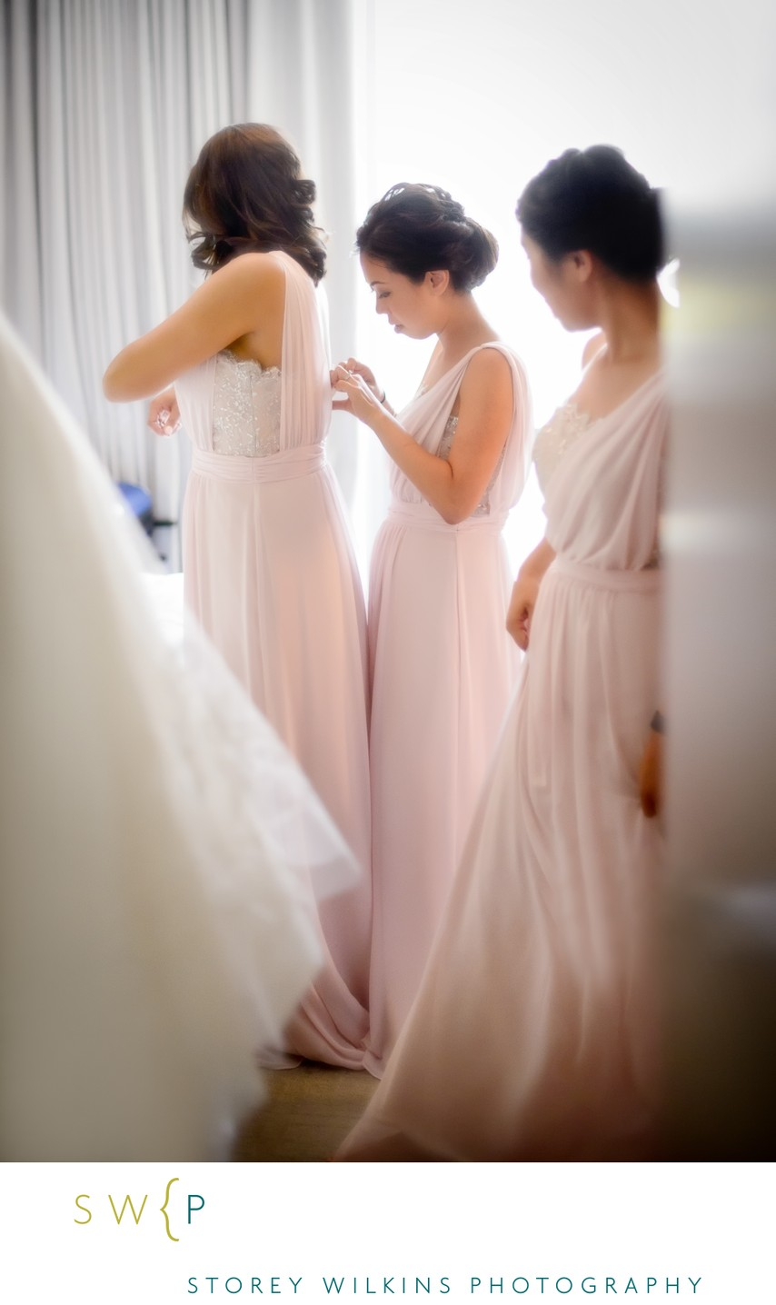 Toronto Bridesmaids Get Ready at Four Seasons Hotel