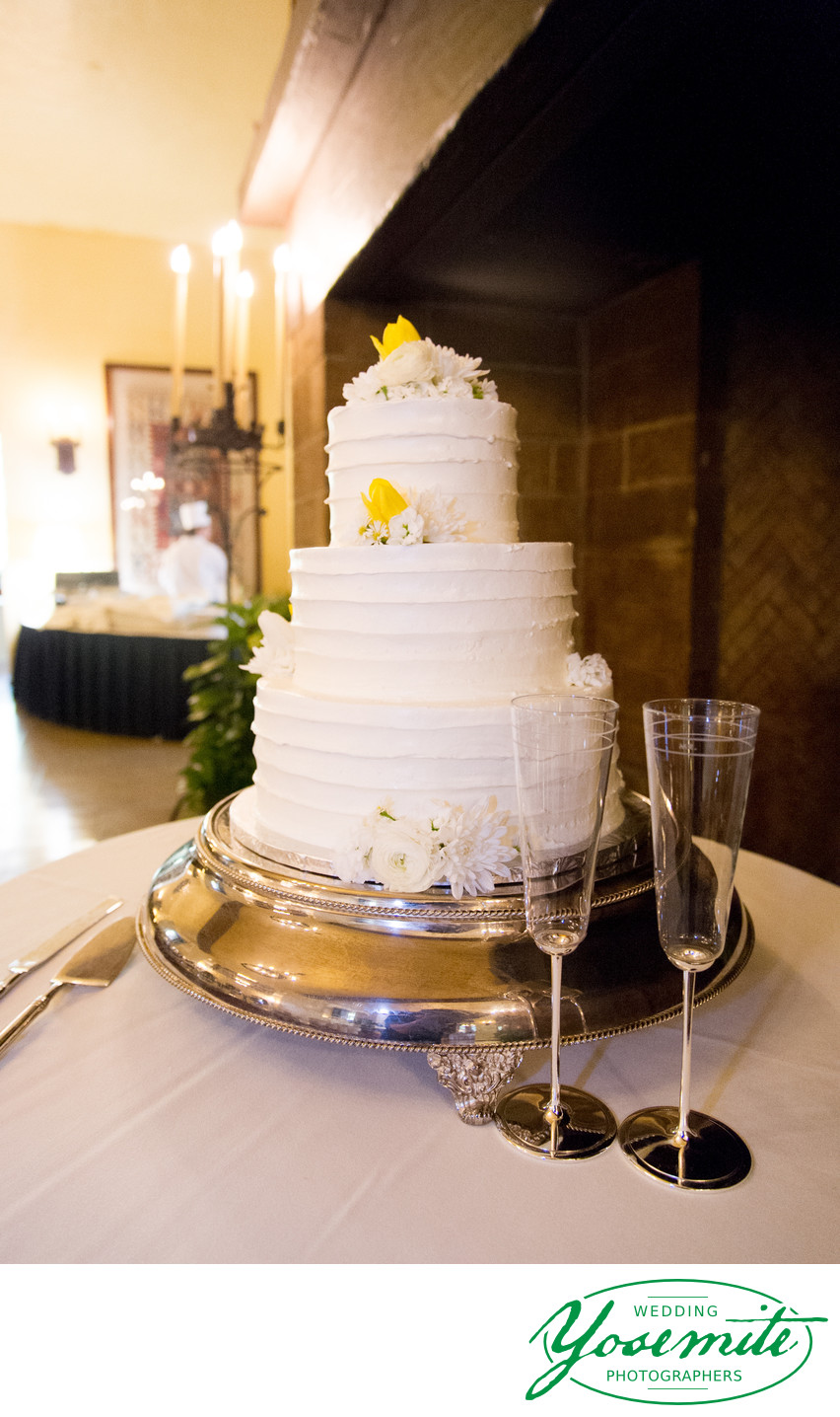 wedding cake majestic yosemite hotel