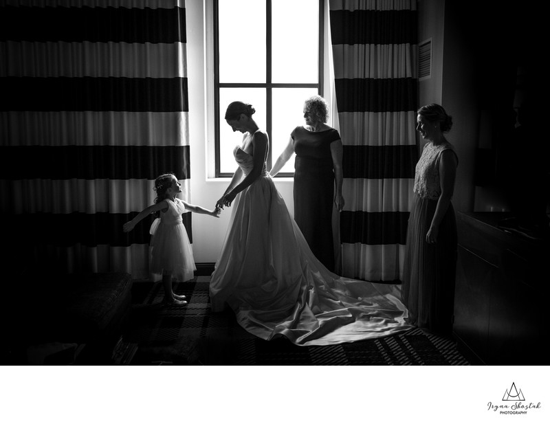 Bridal photographers in Philadelphia Marriott Downtown
