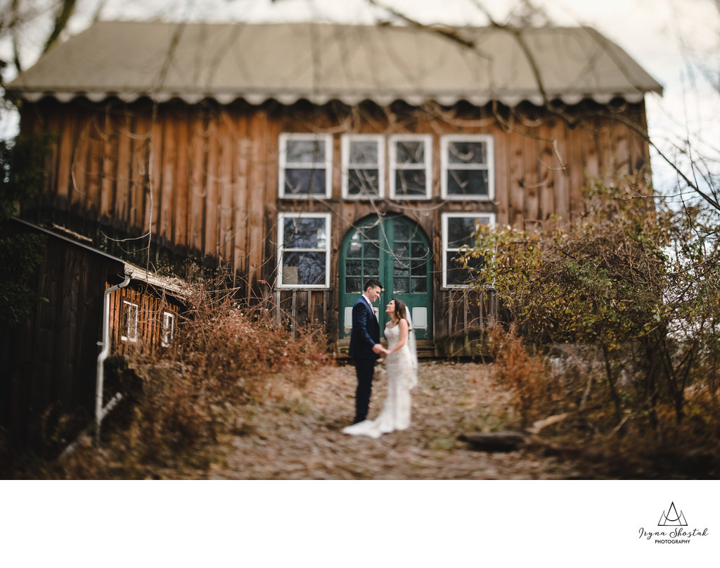 Best rustic wedding photographer in Blue Bell