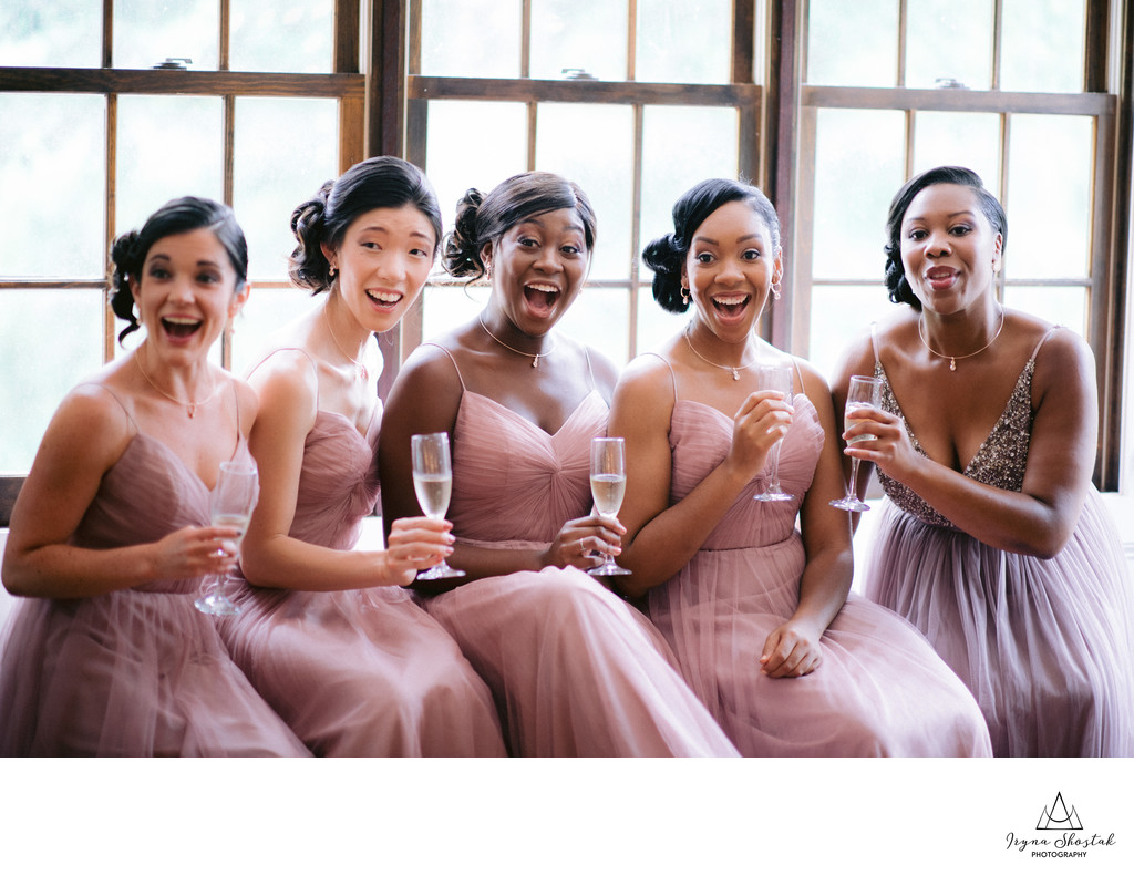 Top 11 Photos Every Bride Must Have With  Bridesmaids