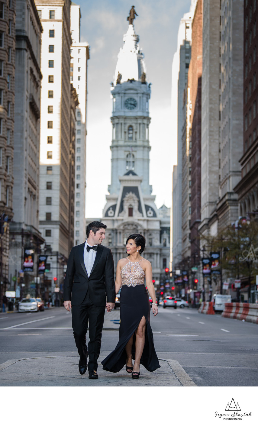 Philadelphia City Hall engagement photography