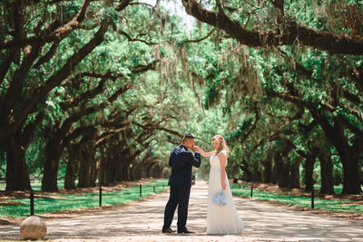 Best outside wedding in Boone Hall Plantation