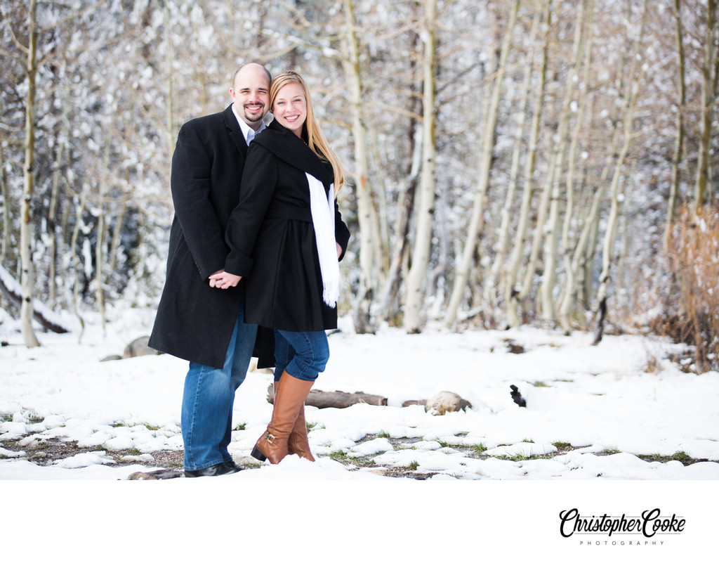 Lake Tahoe Engagement Pictures in the snow