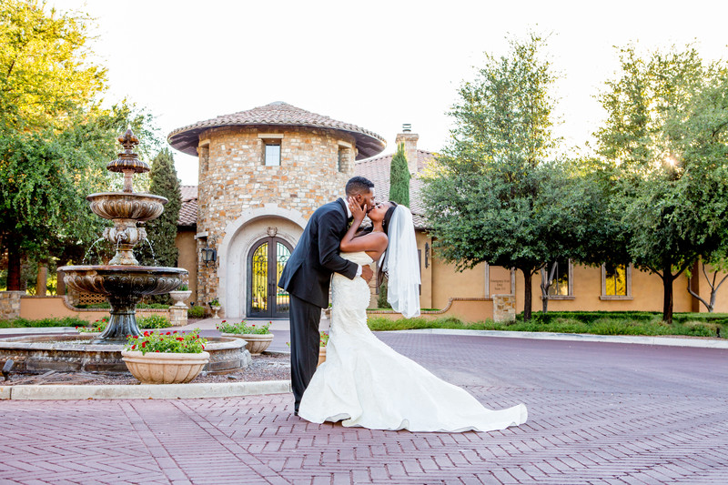 Kiss Villa Siena Phoenix Wedding Photographer