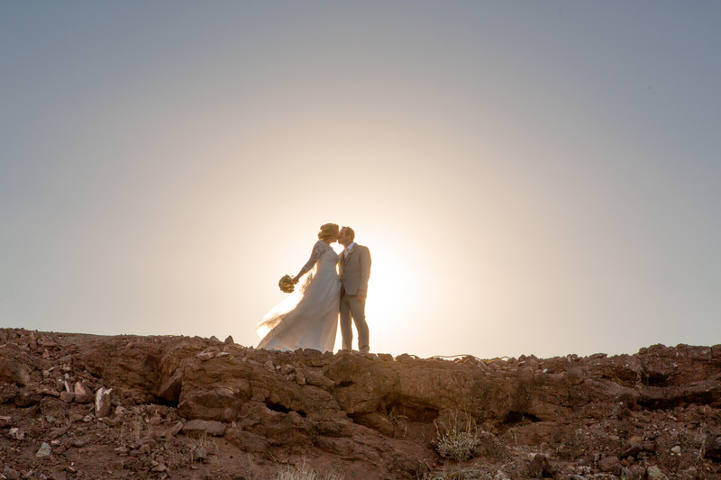 Sunset Kiss The Pointe Phoenix Wedding Photographer