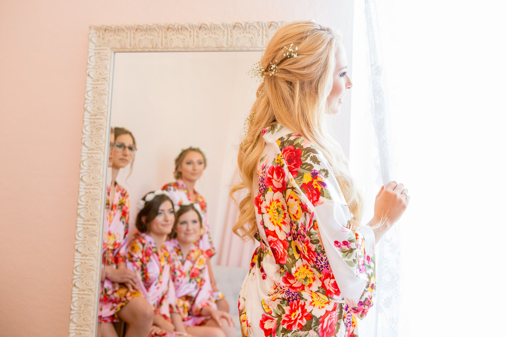 Girls get ready Phoenix Wedding Photographer