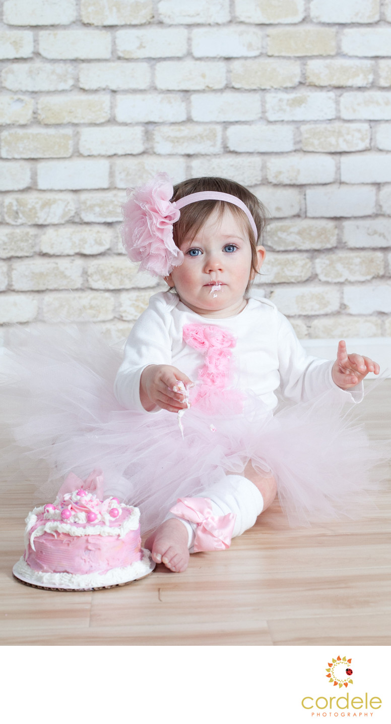 Baby girl Cake Smash Photos Reading MA