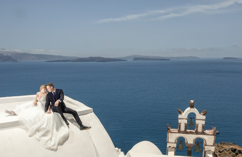 Best Destination Santorini wedding photographer