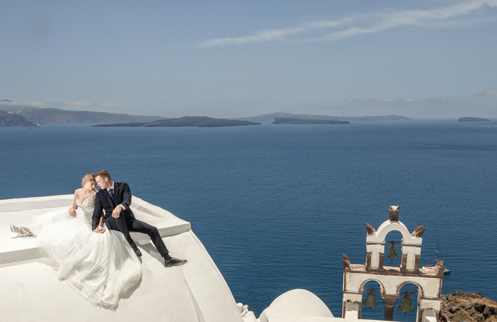 Best destination wedding photographer: Santorini