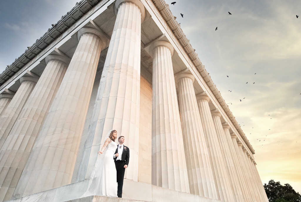Lincoln memorial wedding photos: DC wedding Photographer