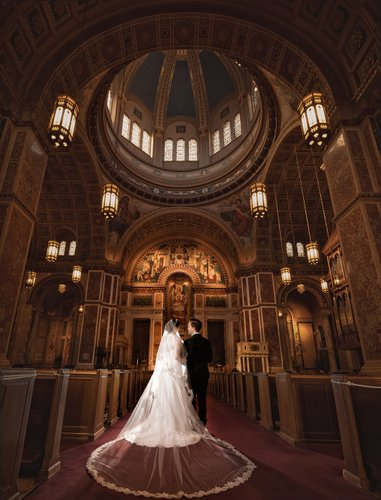 Stunning wedding photography at Cathedral of St. Matthew the Apostle