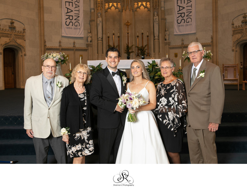 Milwaukee Wedding Photographers: Family Formals Gesu Church