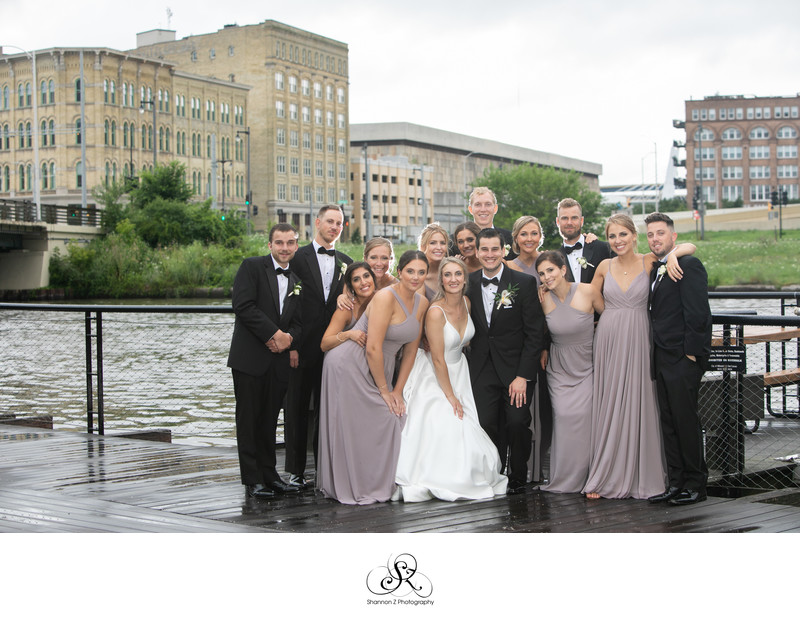 Milwaukee Wedding Photographers: Milwaukee River Walk