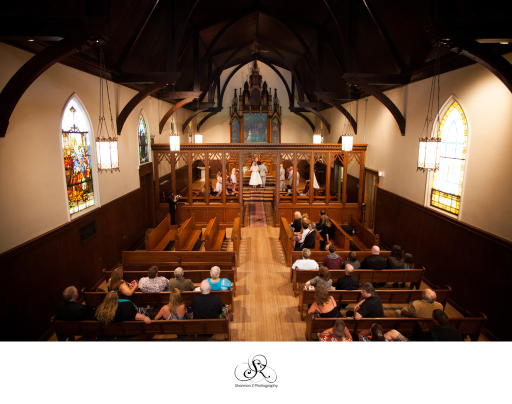 Unique Chapel: Wedding Venue Kenosha
