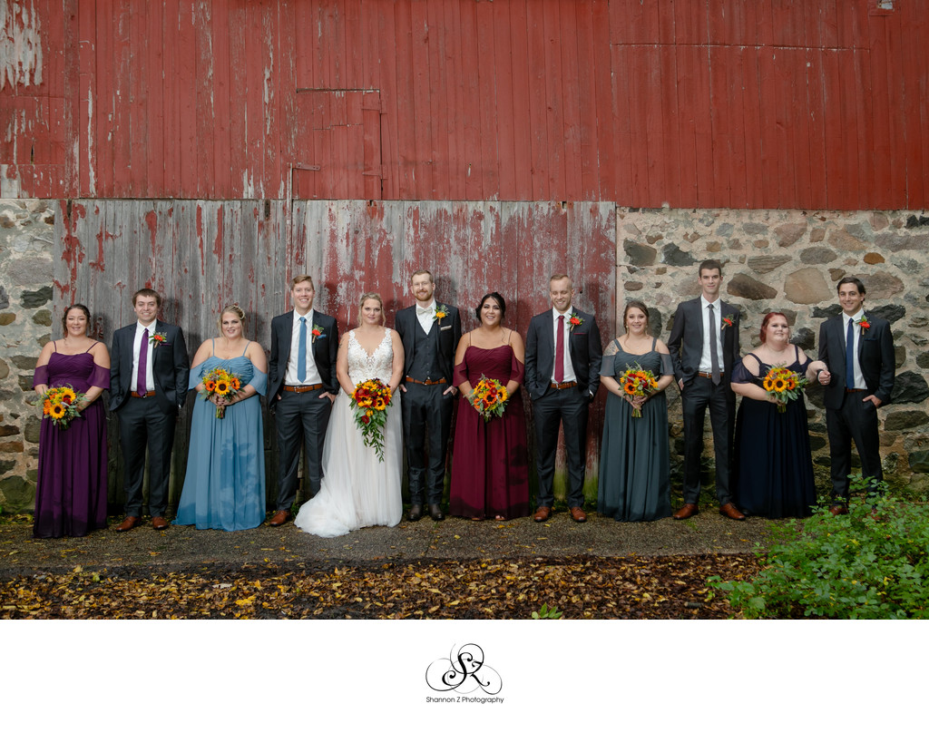 Barn: Wedding Party Photos