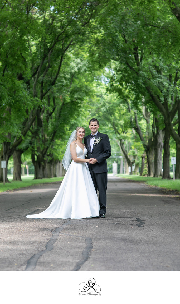 Saint Francis de Sales: Milwaukee Wedding Photographers