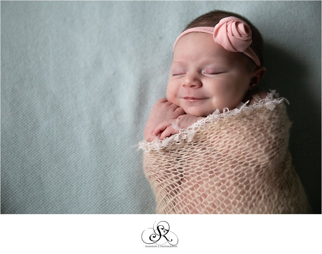 Newborn Sleeping: Sleepy Smiles