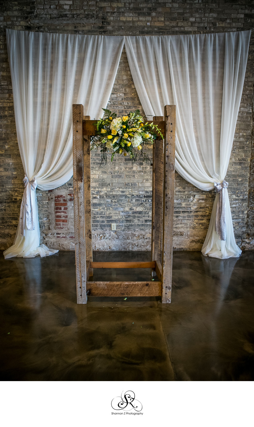 DIY Arch: Ceremony Set
