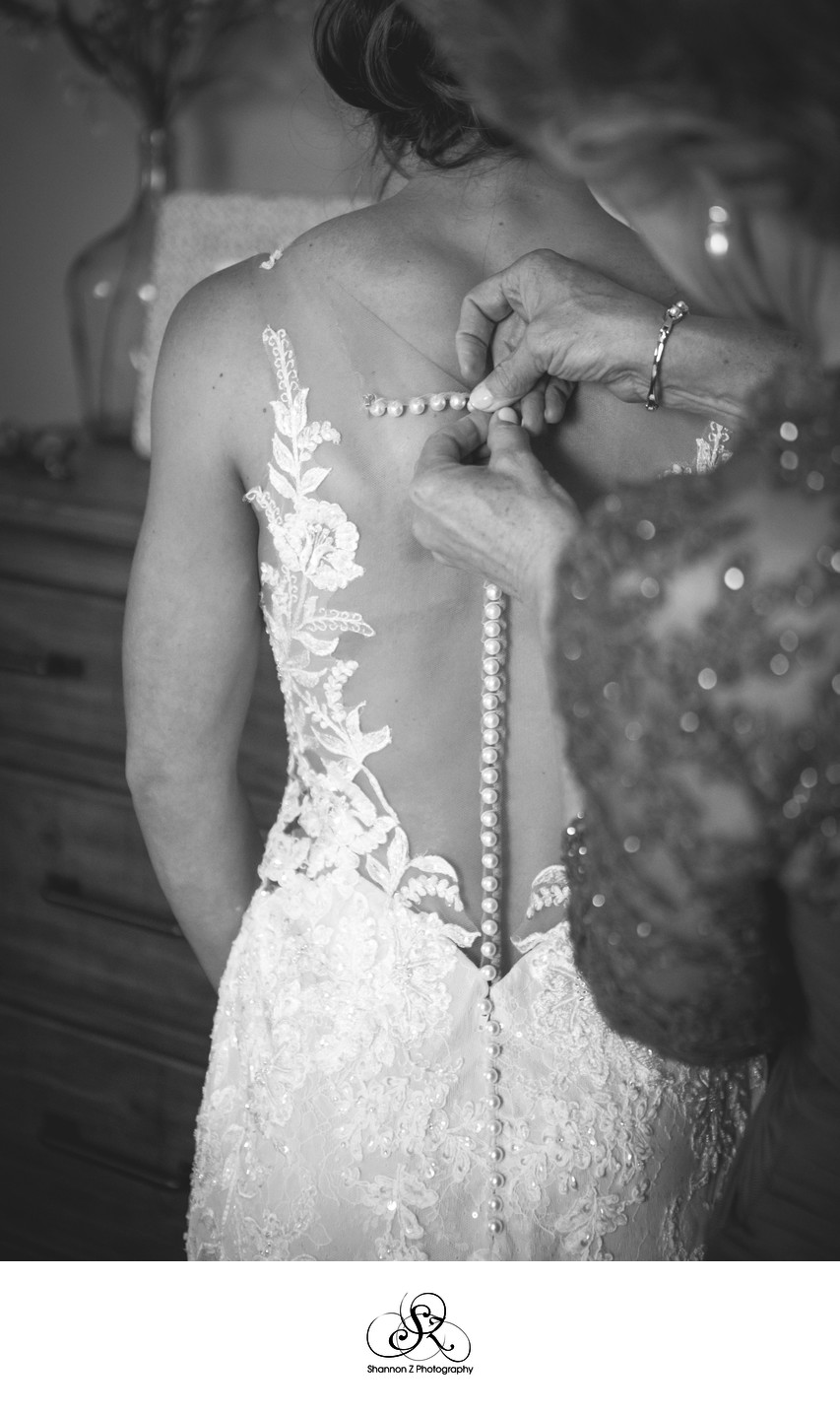 Getting Dressed: Bridal Portraits