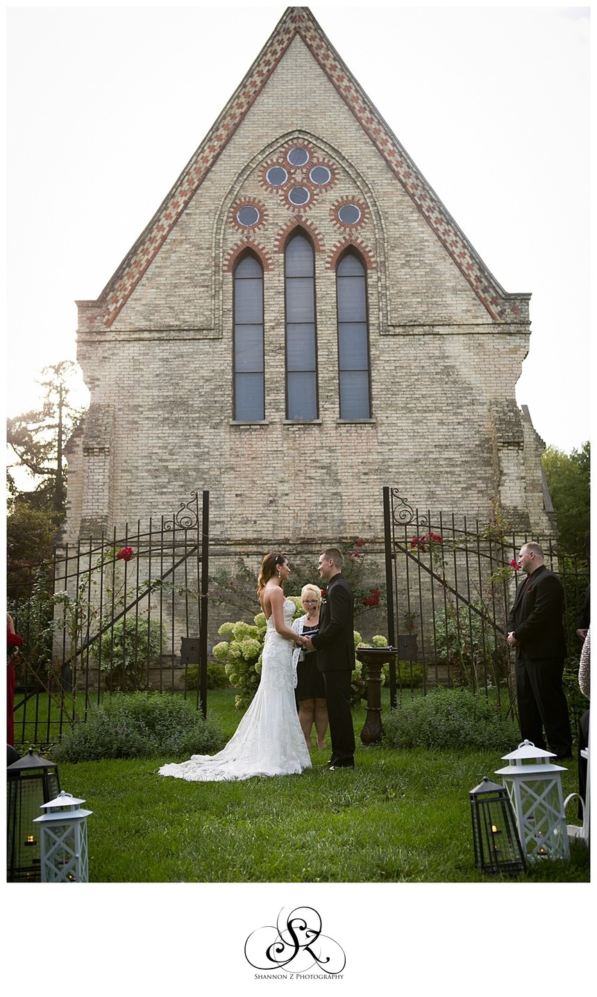 DeKoven Ceremony: Outdoors in the Garden