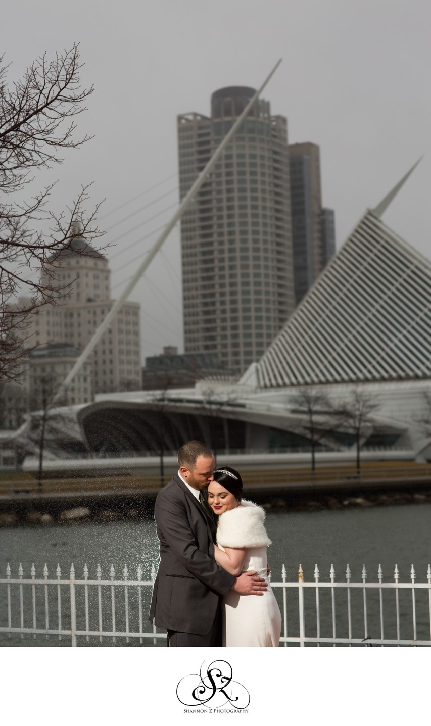 Milwaukee Courthouse Wedding: Milwaukee Art Museum