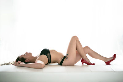 Powerful Boudoir pose for Women