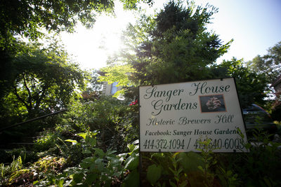 Sanger House Gardens: Intimate Weddings