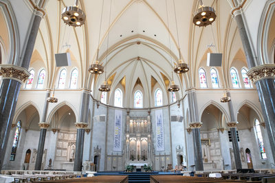 Gesu Church: Milwaukee Weddings