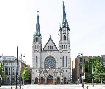 Milwaukee Wedding Venue: Church of the Gesu