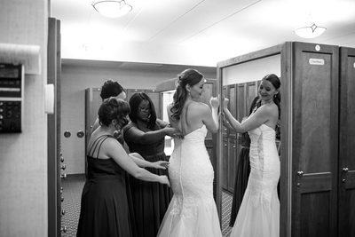 Getting Ready: Kenosha Country Club Wedding