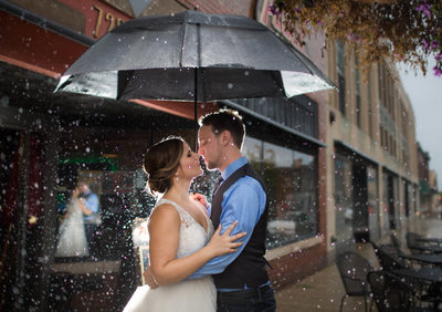Rainy Wedding Day: Wedding Portrait in Rain