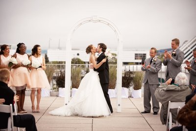 Milwaukee War Memorial Center: Wedding on Roof