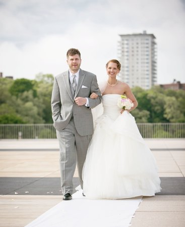 Terrace Wedding: Milwaukee War Memorial Center