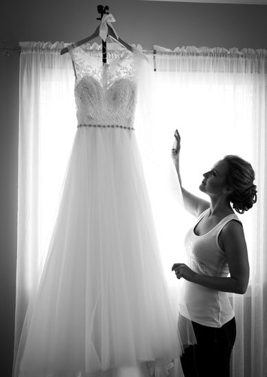 Getting Ready: Brides Dress Hanging